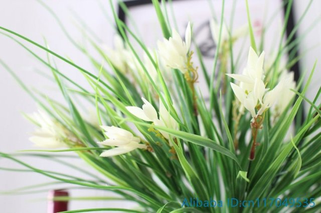 1 Pcs Artificial Plastic White Flowers Green Long Leaves Grass Plant