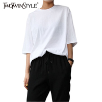 TWOTWONSTYLE 2017 Summer White Short Sleeve T Shirts for Women Female Basic Tops Big Sizes Simple Clothes Korean Casual Loose