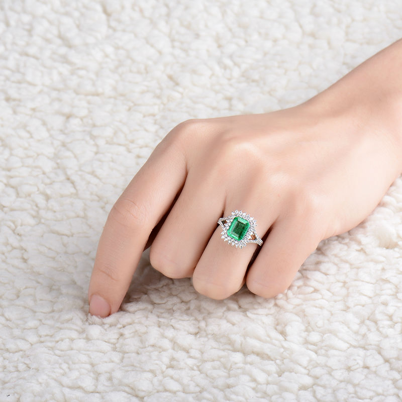 Natural Diamond Flower Green Emerald Wedding Ring Design Solid 18K