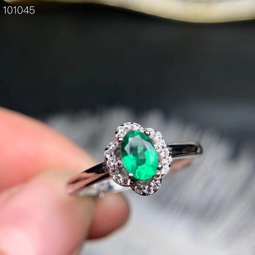 Emerald ring Natural real emerald 925 sterling silver Fine jewelry Women rings gem 4*6mm Emerald ring Natural real emerald 925 sterling silver Fine jewelry Women rings gem 4*6mm