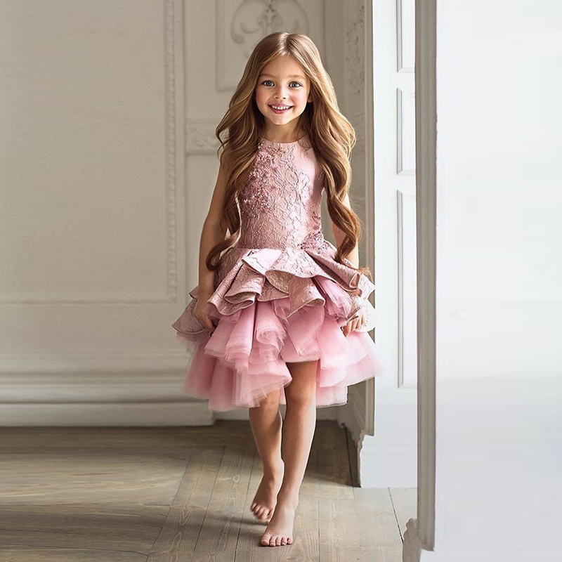 2017 Flower Girls Dresses For Weddings Pink Lace Ruffles O neck Ball Gown Sleeveless Knee Length First Communion Pageant Gowns
