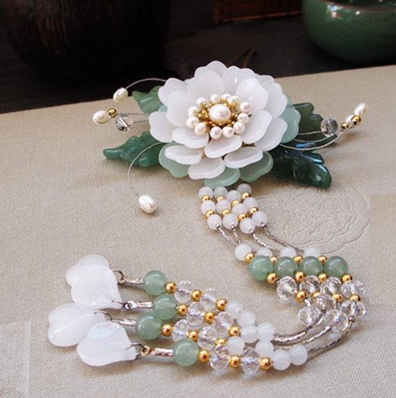 Yin Mu Dan White Glaze Petal Flower Hair Stick Vintage Chinese Hanfu Costume Accessories Green Jade