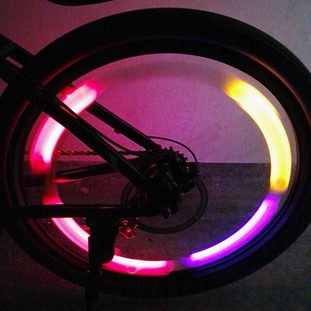 https://ae01.alicdn.com/kf/HTB1x8FAOFXXXXaMXpXXq6xXFXXXs/2-stks-Fietswiel-Licht-met-Batterij-Bike-Wiel-Verlichting-Waterdichte-Fiets-Lichtmetalen-2017-Fiets-Accessoires.jpg_640x640.jpg