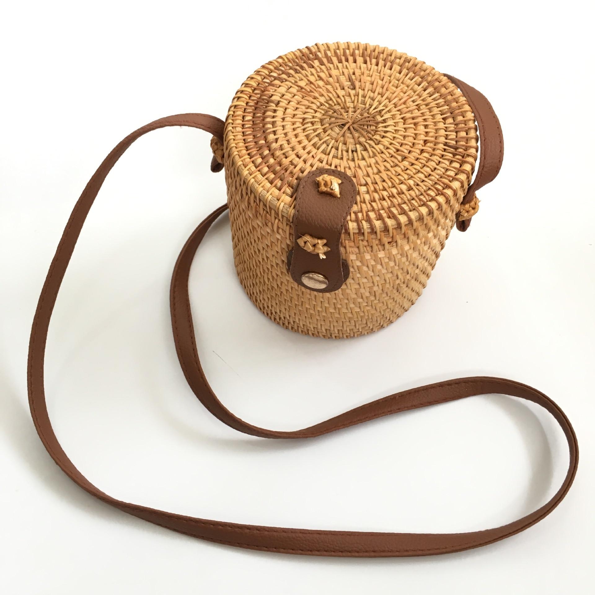 Reasonable Creative Tassel Bucket Barrel Straw Handbags Women Luxury Bags Designer Woven Crossbody Bags Metal Handle Barrel Tote Beach Luggage & Bags