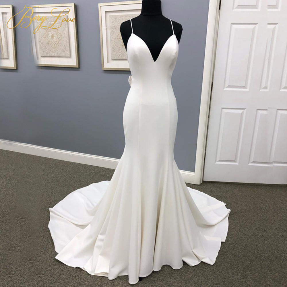 2019 Plain Ivory Mermaid Wedding Dress Spaghetti Straps Wedding Gown Bridal Dress Chapel Train Open Back Bow Knot Bridal Gown