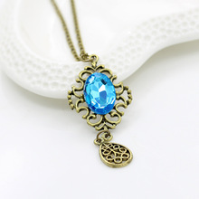The new Europe hollow Retro Blue Gem drop long necklace fashion elegant women's sweater chain Z3136