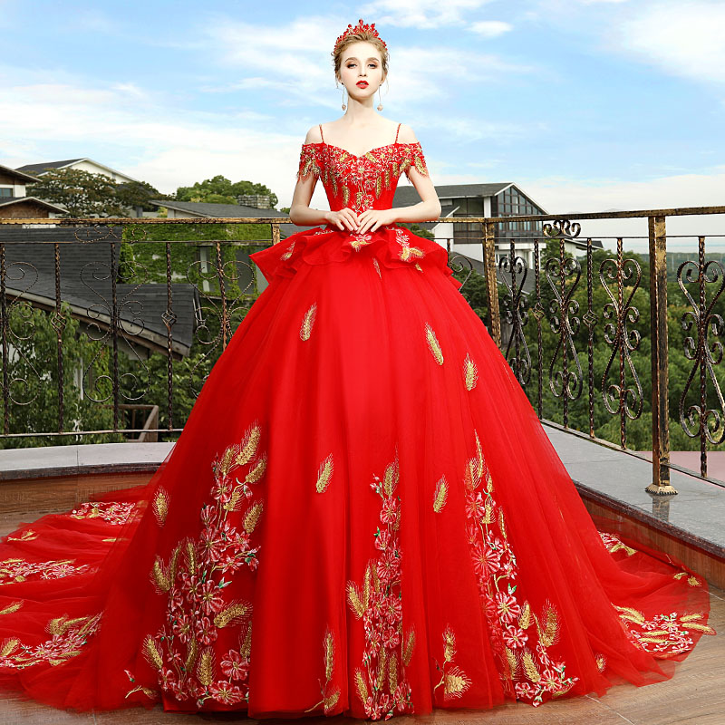 329d38222ab Court Red Long Maternity Wedding Dress Maternity Gown Lace Maternity Dress  Embroidery Pregnant Women Dress Pregnancy Clothes -in Dresses from Mother    Kids ...