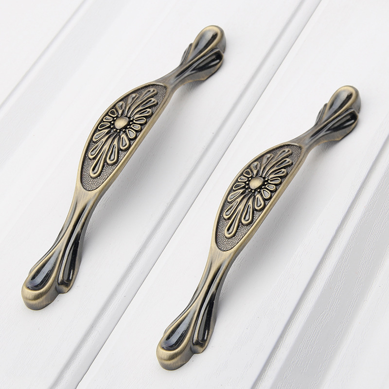 Antique Handles for Furniture,kitchen Drawer Knobs and Pulls for Cabinets,dresser Brass White Metal Door Handle Pattern Shape hotsale 10pcs printing ceramic door handles european antique furniture handle drawer pulls kitchen cabinet handles and knobs