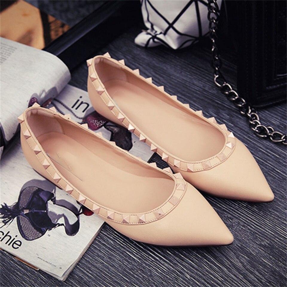 Printemps et été nouvelles chaussures pour femmes en cuir véritable bout pointu rivets chaussures plates confortables femmes chaussures size33-41