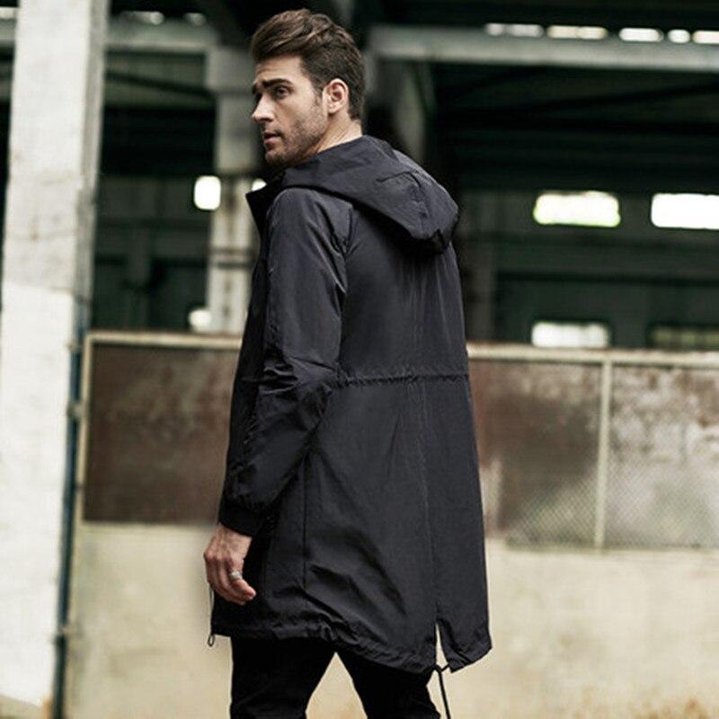 Ветровка мужская длинная секция 2017 новое осеннее и зимнее тонкое пальто большого размера молодежное толстое пальто с капюшоном для мужчин