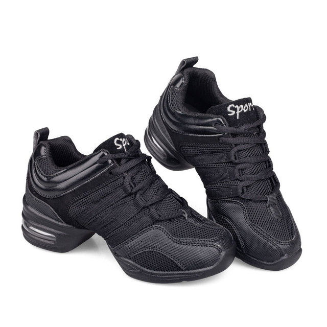 best sneakers e9dc4 a0b3c US $18.98 30% di SCONTO|Moderna scarpe da Ballo Scarpe Da Ginnastica in  Mesh Traspirante Leggero Jazz Hip Hop Danza Pratica Scarpe Lace Up Fitness  Gym ...