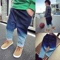 Moda 2015 muchachas del muchacho gradiente rampa Jeans niños Casual Jeans Denim Jeans Vintage caliente venta