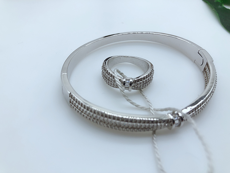 Fashion Bracelets Bangles And Ring COPPER-GOLD PLATING JEWELRY STYLISH JEWELRY FOR QUICK SHIPPING WITHIN 3 DARS