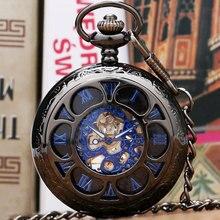 Negro Flor Hollow Caso Con Azul Número Romano Esquelético Mecánico Del Reloj de Bolsillo Con Cadena Para Hombres de Las Mujeres