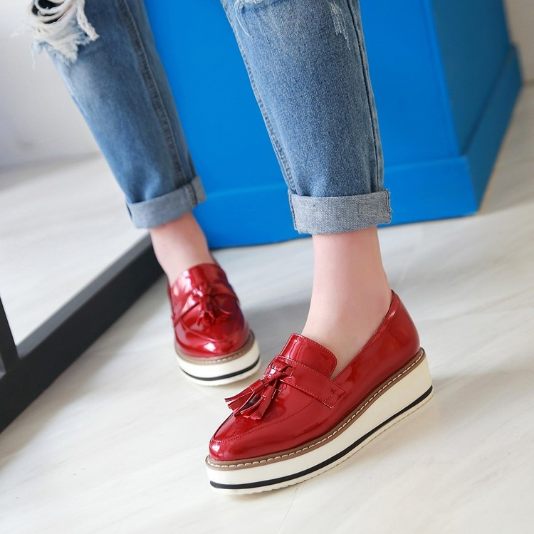 c77f67162427 Flat Women Shoes Leather Tassel Platform Wedge Ladies Shoes White Slip On Loafers  Female Creepers Shoes For Women Zapatos Mujer-in Women s Flats from Shoes  ...