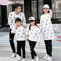2017 autumn family look cartoon hoodies sweatshirts mother father baby clothes matching mother daughter clothes outfits