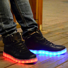 Moda Hombres Zapatos Creciente de Alta Superior Zapatos de Hombre Zapatos Luminosos LED Blanco/Negro Iluminan Zapatos Zapatillas Deportivas Hombre