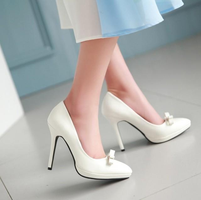 2017 mulher bombas sapatos ponto do dedo do pé das mulheres sapatos de salto alto plataforma de casamento branco sy-1891