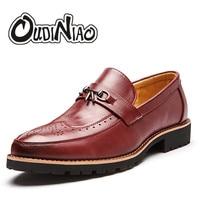 Fringe Slip On Men Shoes Fashion Vintage Brogue Metal Tassel Loafers Dress Shoes Men Pointed Toe