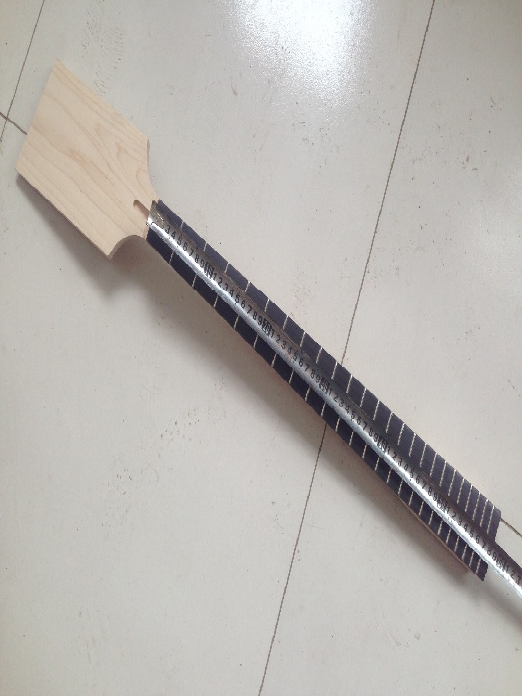 Guitare basse électrique cou 24 Fret bois d'érable 30 pouces palette poupée palissandre Fretboard