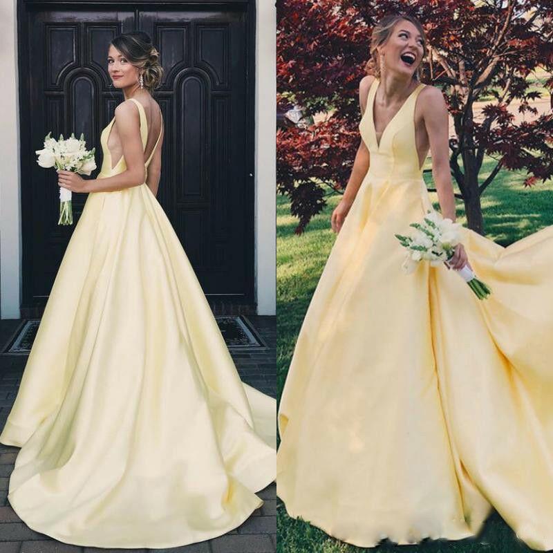 Robes de soirée de bal jaune col en V longue robe de soirée dos nu en Satin