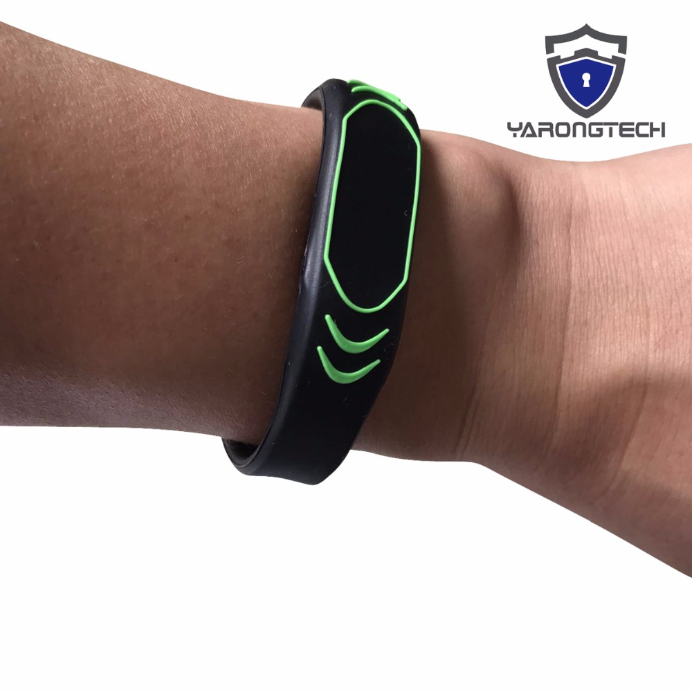 New Design 13.56MHZ ISO14443A MIFARE Classic 1K RFID Black NFC Silicone Rfid Wristband -10pcs