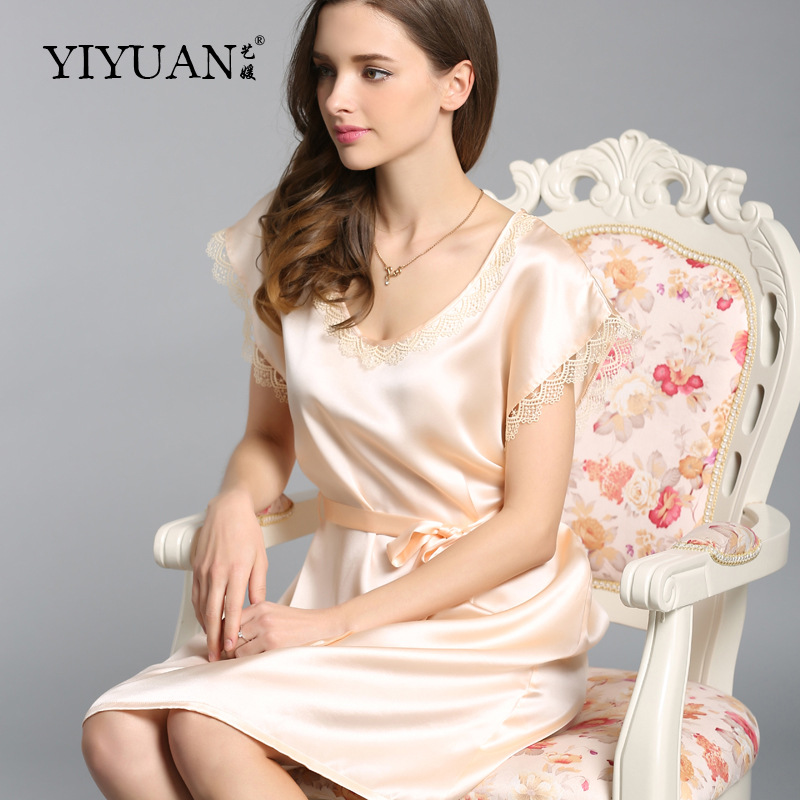Здесь продается  100% Genuine Silk Nightdress Female Cute Lace Round Neck Nightgowns Short Sleeve Summer Silk Women Sleepwear S5508  Одежда и аксессуары