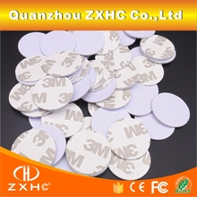 (10 adet/grup) t5577 25mm Yuvarlak Şekil Etiket Yapışkanlı Kart Programlanabilir RFID 125 khz Yeniden Yazılabilir Akıllı Etiketleri Erişim Kontrolü