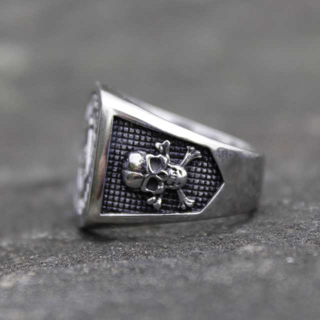 STAINLESS STEEL VIRTUE UNITES SKULL RINGS
