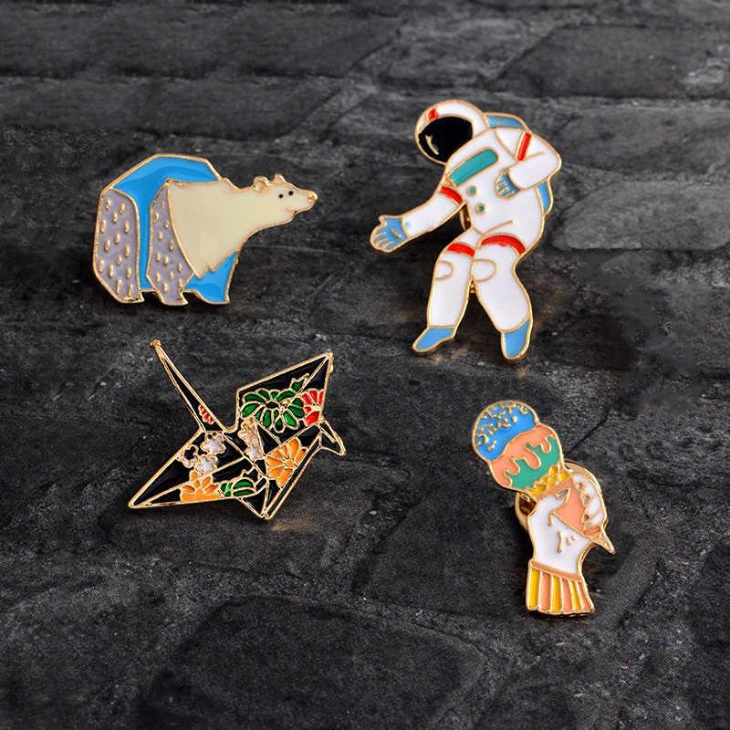 Kartun Enamel Kertas derek beruang Kutub Astronaut Es krim Pin Tombol Tas Jaket Mantel Aksesoris Hewan Bros Pin Badge Hadiah