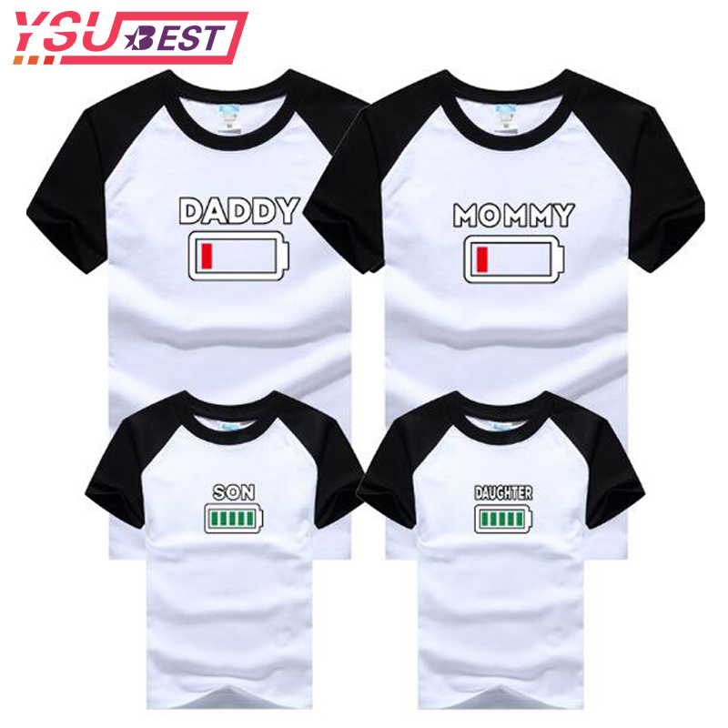 Summer Family Clothing MOMMY DAUGHTER SON Battery T Shirt Mother&Kids Matching Outfits Short Sleeve Mother Daughter Son Clothes mother and daughter clothes short sleeved t shirt dresses family matching outfits baby girl clothes girls clothing long dress
