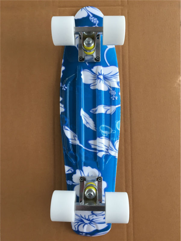 Image 4 - 22 Inch complete Mini Skate board With White flowers pattern for Girl and boy to Enjoy the skateboarding Mini rocket board-in Skate Board from Sports & Entertainment