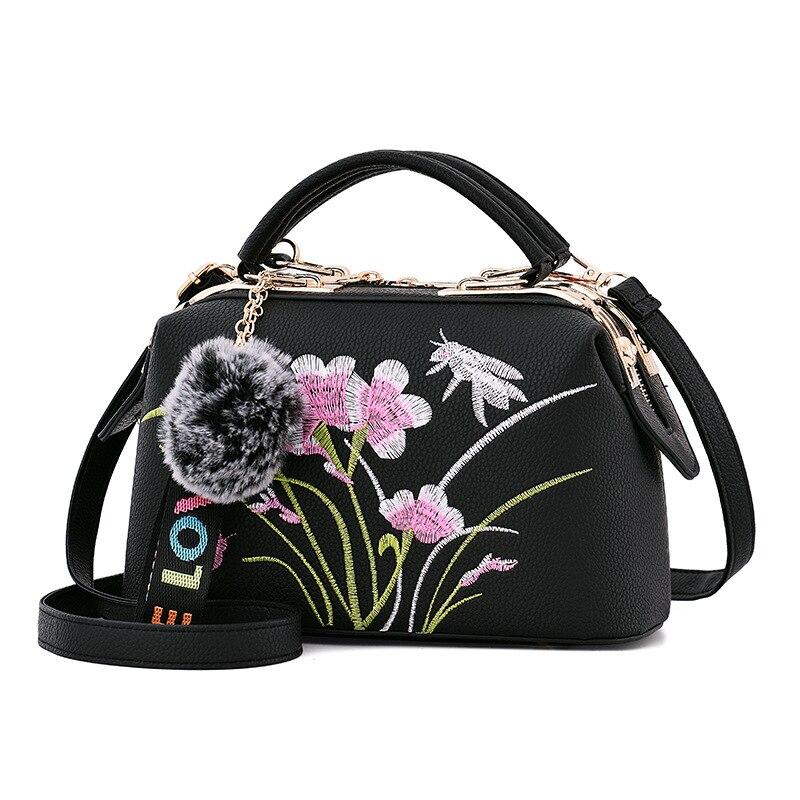 все цены на Women's Bag 2018 Autumn New Fashion Casual Shoulder Bag Embroidery Lady Messenger Bag Hangbag Crossbody Bags Floral