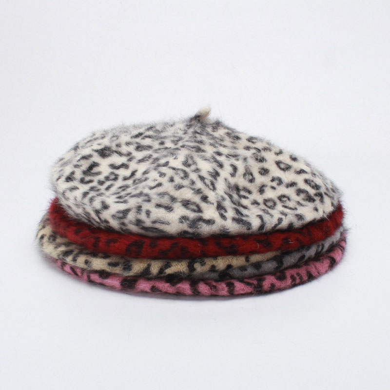 3bb5a819319a5 Detail Feedback Questions about 2018 Winter Lady Rabbit Hat Wild Leopard  Print Beret Painter Hat Fur Hat on Aliexpress.com