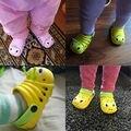 Nuevo 2016 Niños del verano de la sandalia Linda oruga jardín zapatos de Niño los niños y niñas sandalias del bebé zapatillas de interior antideslizantes de Los Niños caliente