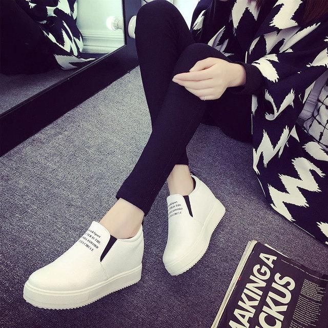 Novo 2017 Primavera E Outono Define Sapatos Nos Pés Sapatos de Fundo Grosso Mulheres Rodada Pedal Estudante Coreano PU Loafer