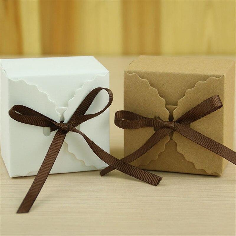 10 шт./лот гофрированные крафт-Бумага коричневый Цвет конфеты коробка с лентой DIY белый волна сладкий свадьбы коробка конфет вечере подарочн...