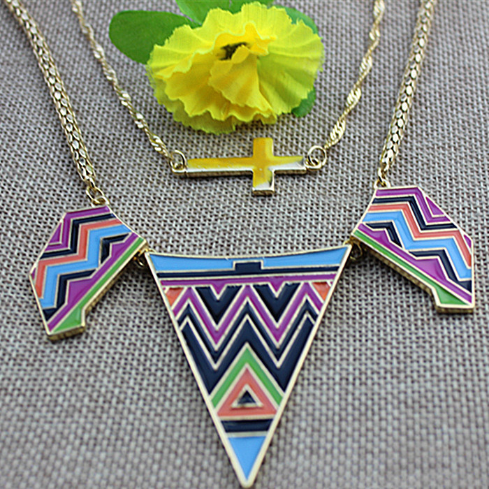 The new hot sale of fashionable women jewelry girls birthday party gifts beautiful cross pendant necklace to avoid shipping