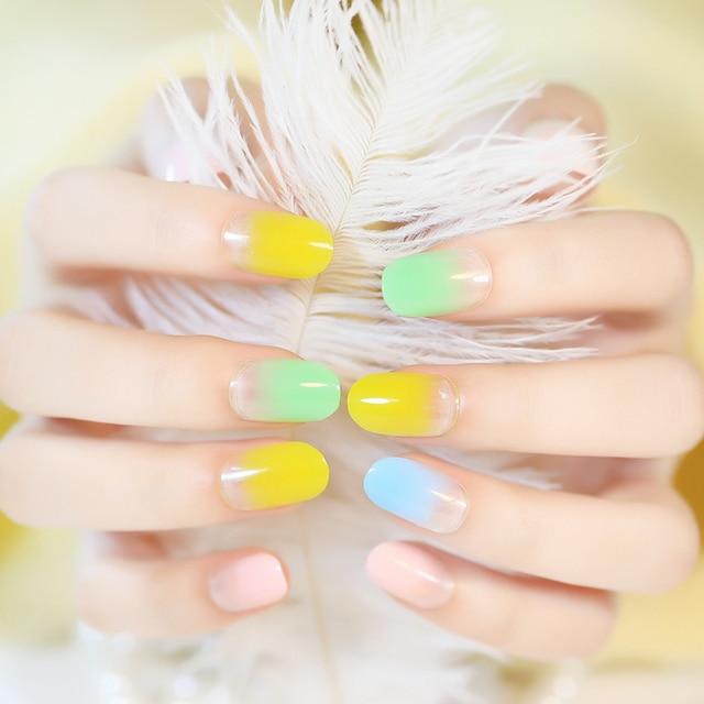 Kolorowe Cukierki Sztuczne Paznokcie Z Projektami Dla Partii