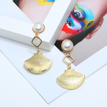 2019 Hot Sale Drop Gold Imitation Pearls Earrings For Women Long Sector Metal High Quality Wedding Wholesale Jewelry