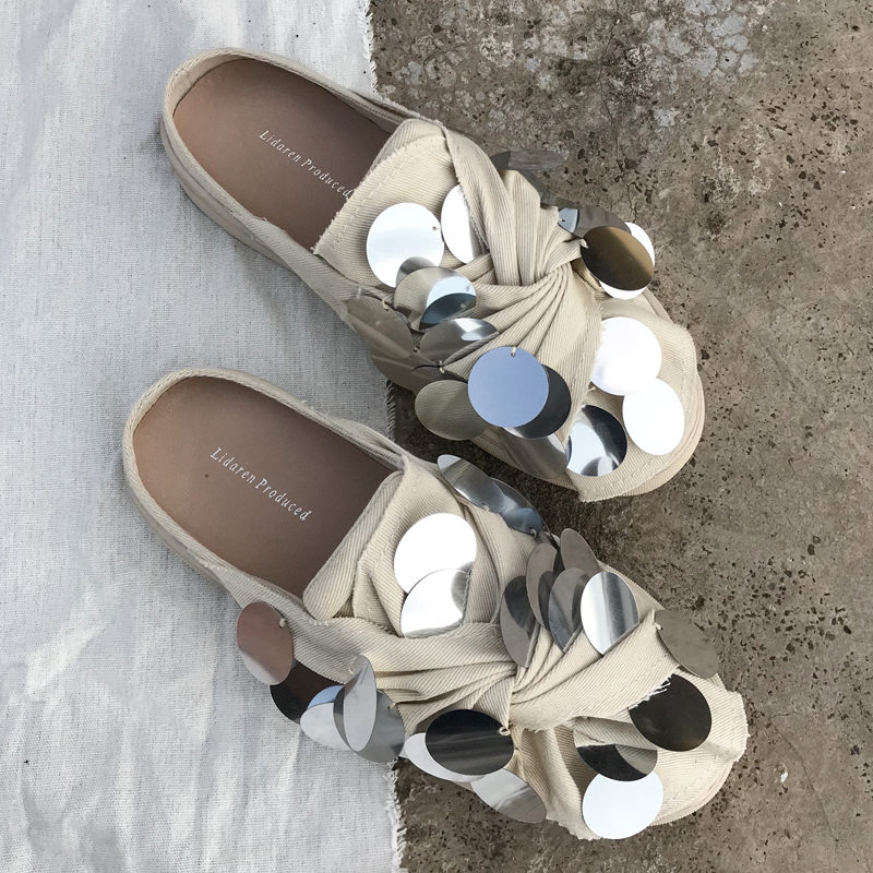 Koovan Women s Slippers Canvas Shoes 2019 Spring New Port Wind Sequins Small White Shoes Net