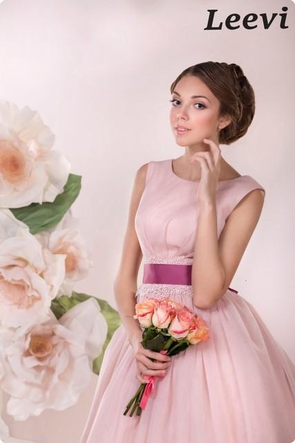 Vestidos de novia cortos color rosa