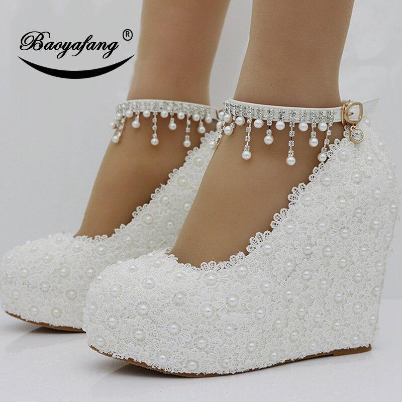 Ayakk.'ten Kadın Pompaları'de BaoYaFang Yeni Takozlar Beyaz/pembe dantel up Düğün ayakkabıları kadın 11cm Yüksek topuklu ayakkabı Nedime moda ayak bileği kayış Bayan Pompaları'da  Grup 1