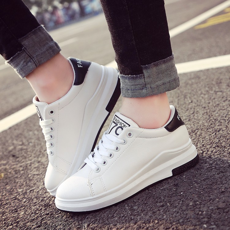 Hot Sale Fashion Women White Canvas Shoes Concise Low Top Casual Flat Student Shoes Lace Up Solid Canvas Walking Women Shoes 593 hot sale 2016 top quality brand shoes for men fashion casual shoes teenagers flat walking shoes high top canvas shoes zatapos