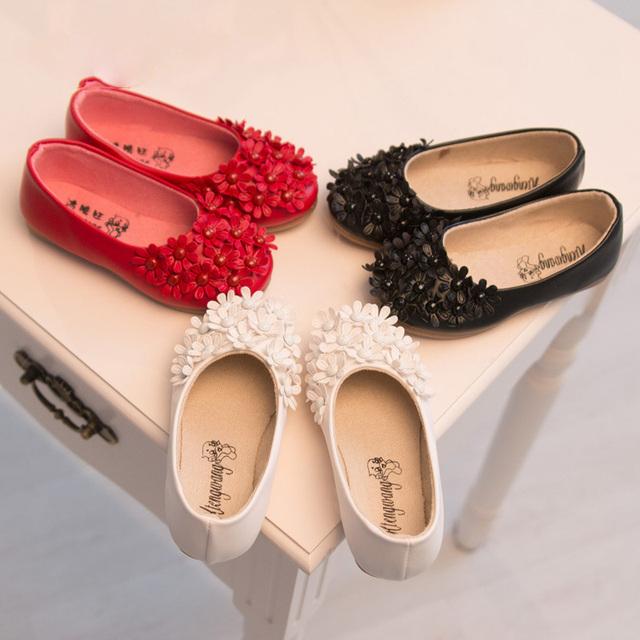 Venta caliente de la perla de la flor los niños calzado niños sneakers niñas princesa zapato plano solos zapatos para el Tamaño de EE.UU. 8-13