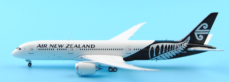 Fine Ge iniJets 1: 400 GJANZ1459 Air New Zealand B787-9 ZK-NZF Alloy aircraft model Collection model Holiday gifts fine phoenix 1 400 11198 thai airways b787 8 hs tqb alloy aircraft model collection model holiday gifts