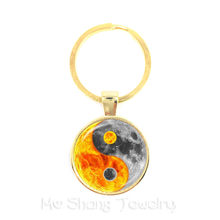 Black and White Yin Yang Symbol Jewelry Glass Dome Keychains Taoism Buddhism Spiritual Yin-Yang Harmony Keyring(China)