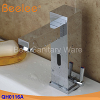 New Hot And Cold Solid Brass Square Bathroom Basin Water Faucet Motion Automatic Inductive Sensor Faucet