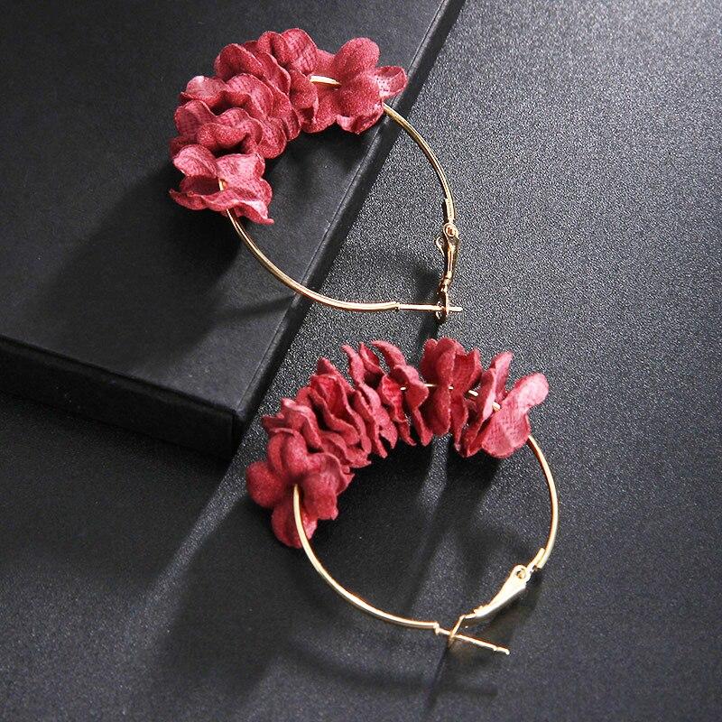 2018 elegante Stoff Blume Hoop Ohrringe Bijoux Sweety Bunte Blütenblatt Legierung Ohr Kreis Große Ohrringe Charme Brinco Für Frauen