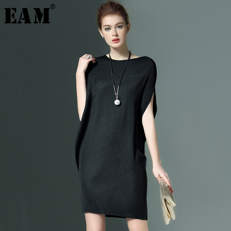 [EAM] 2018 New Summer Fashion Tide O-neck Short Sleeve Loose Big Size Black Simple All-match Draped Woman Dress S848